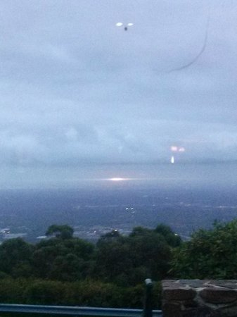 SkyHigh Mount Dandenong: The View and Sunset from our Table :)