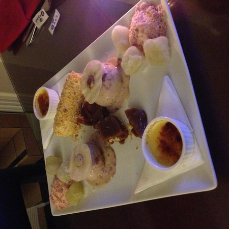 Coral Sea Resort: The sample dessert for two!