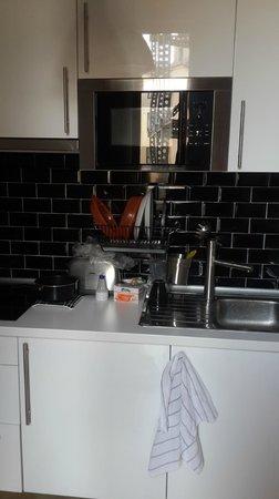 Matute11 Suites: Kitchen space