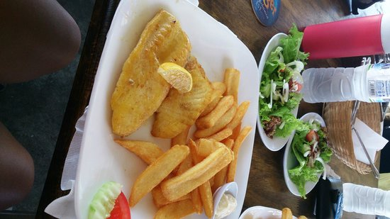 Scarborough Fish & Chips Restaurant: good value, good amount, fresh fish USD 6 per portion