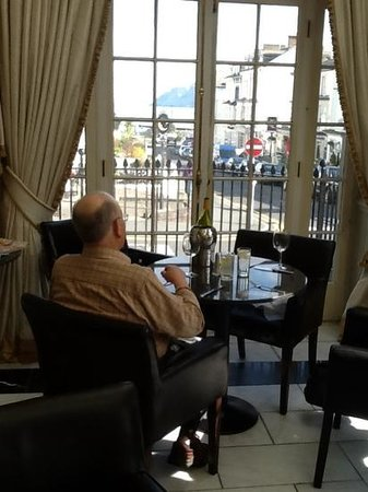 Empire Hotel Llandudno: lunch with a view