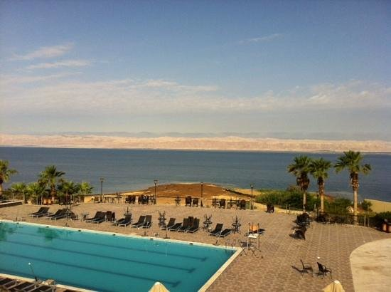 Dead Sea Spa Hotel: love this view in the morning ,cant wait to go back april 28th ! great place to relax & unload s
