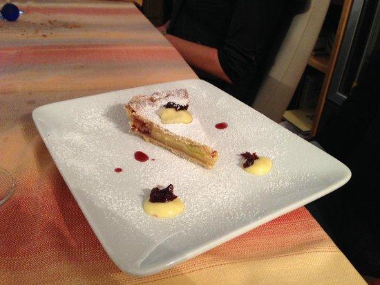 Ristorante San Pietro: Pasticciotto crema limone ed amarena