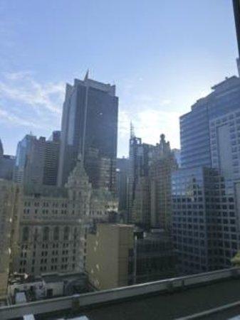 Hilton Times Square: レセプションのある15階からの眺め。
