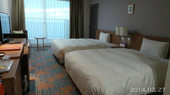 Vessel Hotel Campana Okinawa: 雙床房間