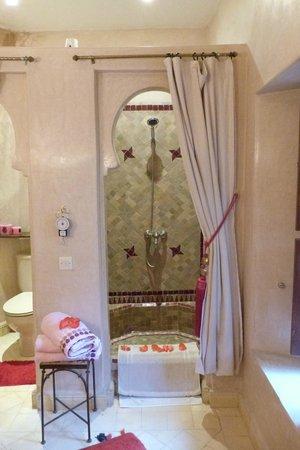 Riad Anabel : SALLE DE BAINS