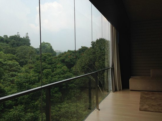 Padma Hotel Bandung: Suite room window view in the morning
