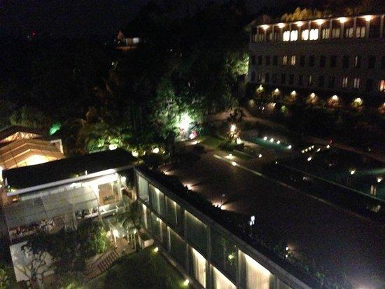 Padma Hotel Bandung: View for balcony at night