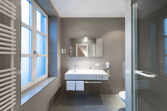 Design Hotel Stadt Rosenheim: Bad