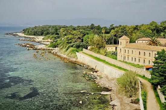 Iles de Lerins: Остров Сент-Онора один из двух обитаемых островов