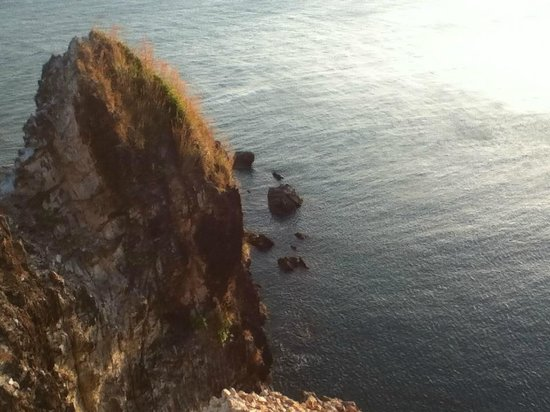 Mu Koh Lanta National Park: The cliff view from the lighthouse