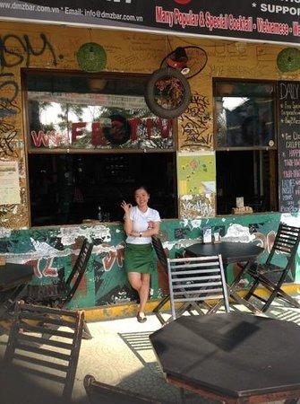 DMZ bar : Ms My at the restaurant.