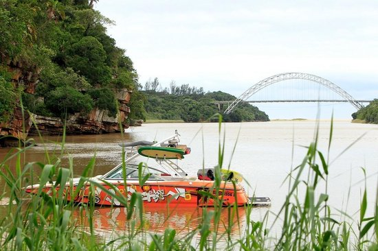 Umtamvuna River Lodge: Best boating in South Africa! Protected from wind, warm water..