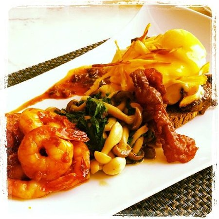 Raffles Dubai: Chef Samson Special Eggs Benedict with Mushrooms and Seafood