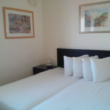 Ben Yehuda Apartments : Second bedroom