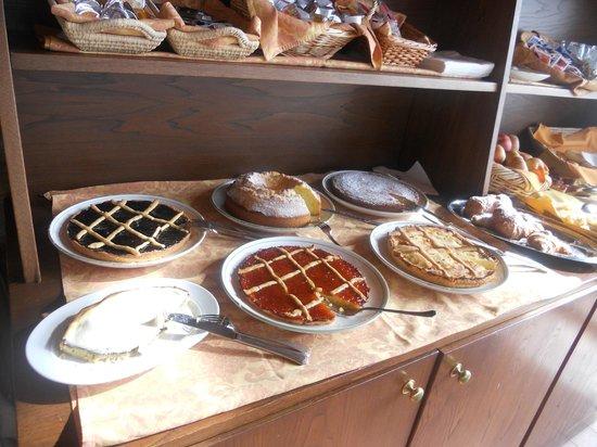 Hotel Resort Antico Casale di Scansano : crostate x colazione