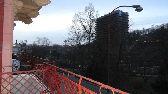 Hotel Concordia: Вид с балкона на Термаль
