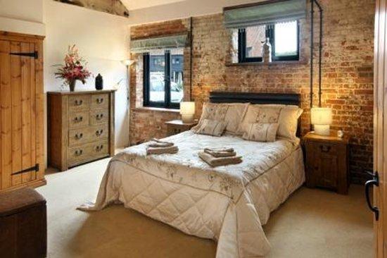 Wheatacre Hall Barns: Mallard Barn Master Bedroom