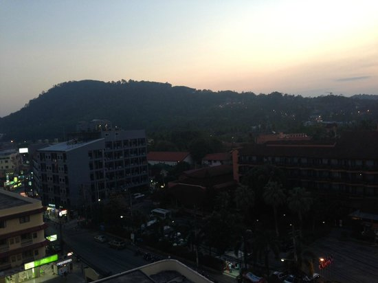 Ashlee Hub Hotel Patong: View from Roof Top Bar
