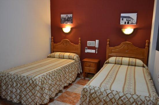 Hotel Virgen de los Reyes: Habitacion doble