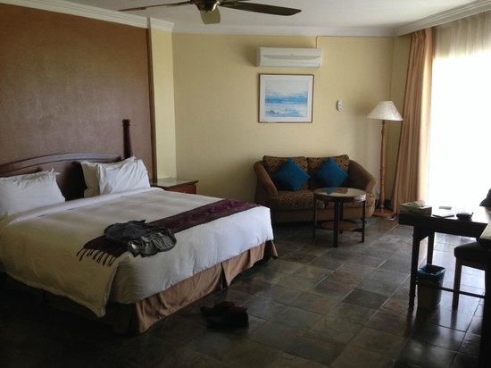 Palm Beach Resort & Spa: Room