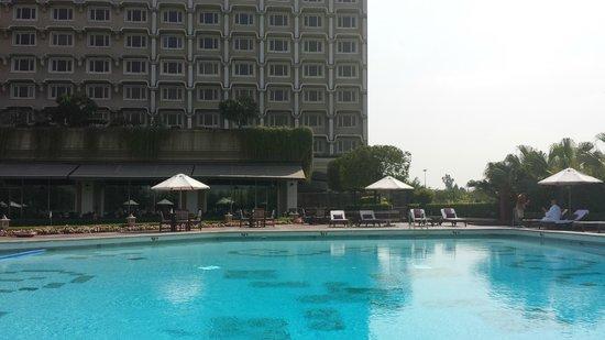 Taj Diplomatic Enclave, New Delhi: Pool Area