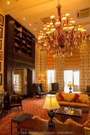 Protea Hotel by Marriott Kimberley: Inside the main entrance