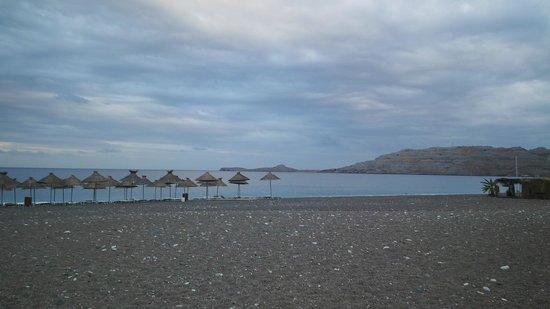 Atrium Palace Thalasso Spa Resort & Villas : пляж