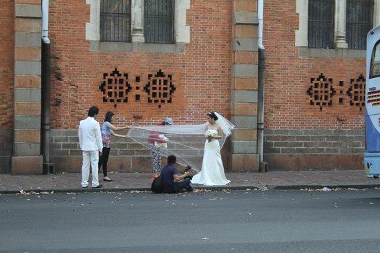 Saigon Notre Dame Cathedral : a wedding