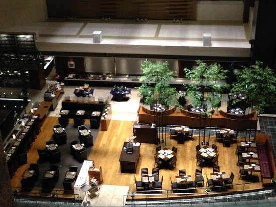 The Strings by InterContinental Tokyo : 夜明け前のダイニングフロア3