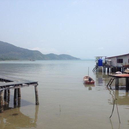 Mercure Koh Chang Hideaway Hotel: nearby jetty