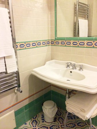 Hotel Parsifal Antico Convento del 1288: Bathroom in 22