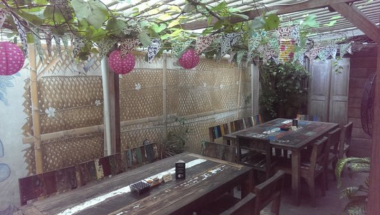 Biku : garden view