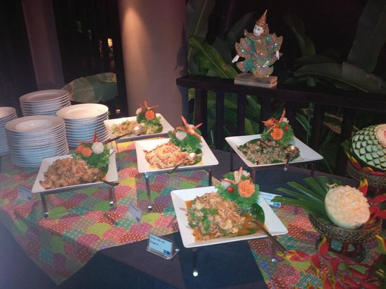 Pullman Phuket Panwa Beach Resort : Buffet Thai au restaurant Azur