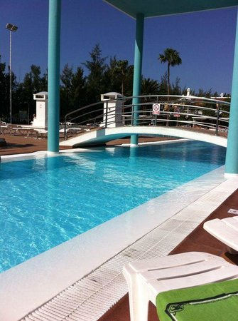 Cordial Green Golf: Pool area