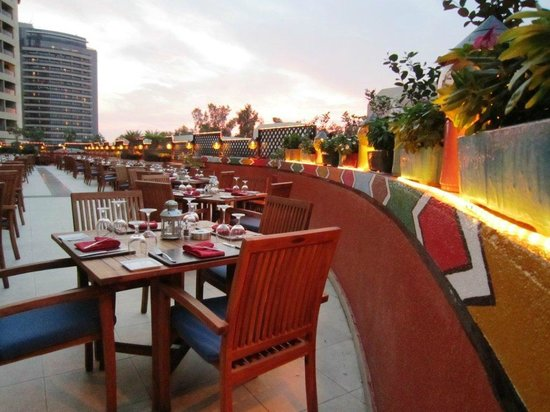 The Grand Grill: Terrace