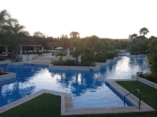 Fairmont Mayakoba : one of the swimming pool
