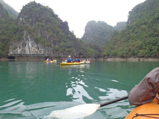 Active Travel Asia: Kayaking on Ha Long Bay