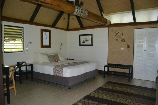 Musket Cove Island Resort : King size bed