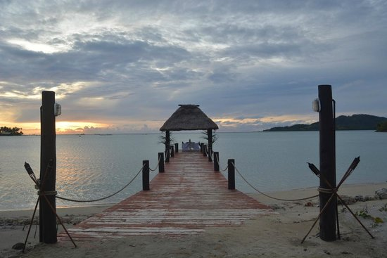 Musket Cove Island Resort : Private dining pier