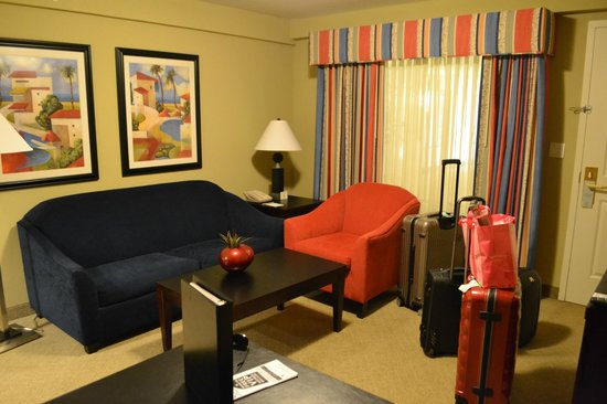 Embassy Suites by Hilton Fort Myers - Estero: comfy sofa (can be utilized as bed)