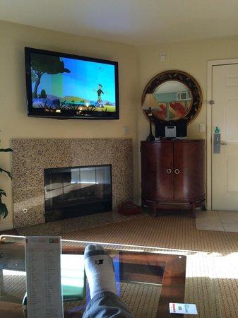 Holiday Inn Club Vacations at Desert Club Resort: living room