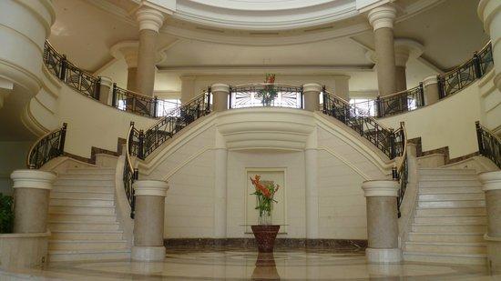 Renaissance Sharm El Sheikh Golden View Beach Resort : Grand Stairs up to Reception