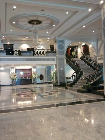 Patong Resort: The Amazing Marble Foyer