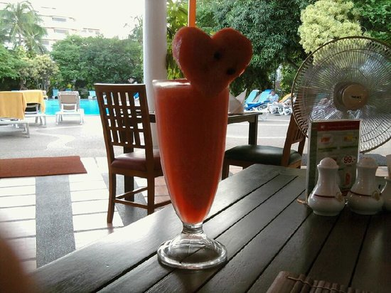 Patong Resort: The AMAZING watermelon smoothies