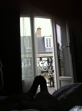 Hôtel Mademoiselle : Balcony is bigger than it looks here.