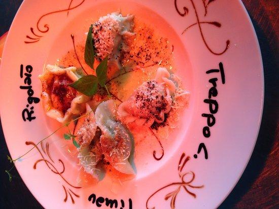 Hotel La Perla: Questo è un assaggiio dei ciarsons tipici ci sono 4 paesi su un piatto