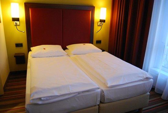 Leonardo Hotel Berlin: camera