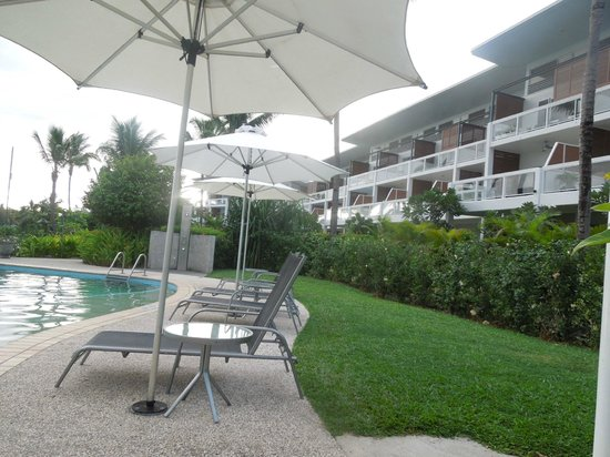 The Terraces Apartments Denarau: pool side
