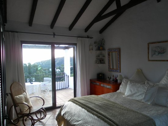 Casares Bed & Breakfast: Our room